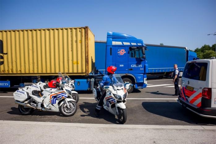 2.050 euro boete en verbod om met vrachtwagen op openbare weg te rijden