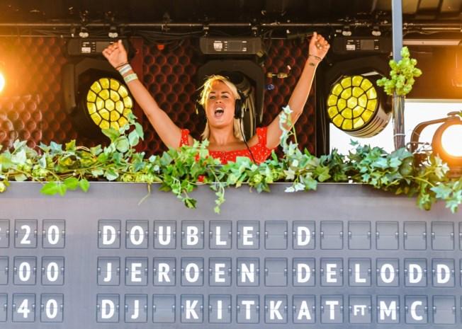 """Patje Krimson haalt uit naar dj Kat Kerkhofs: """"Wie haar boekt is een idioot"""""""