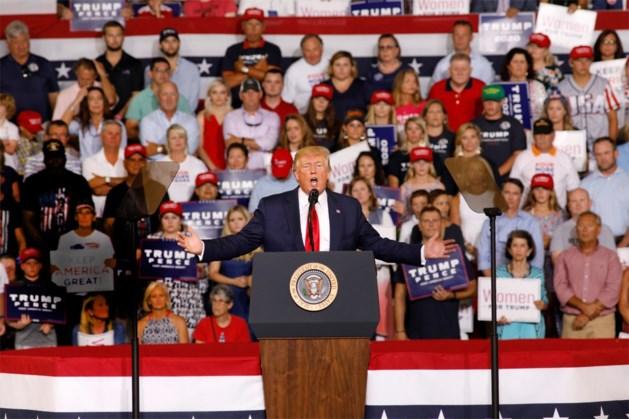 """Aanhangers Trump steunen president met racistische leuze: """"Stuur ze terug!"""""""