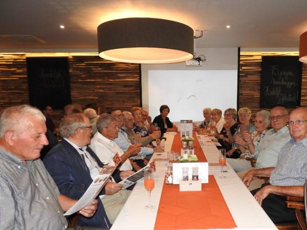 75-jarigen Membruggen halen herinneringen op