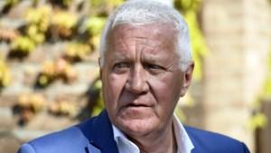 Patrick Lefevere legt schuld voor val Wout van Aert bij Tourorganisatie