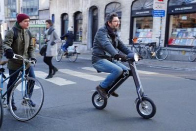 Getest: na de compacte e-bike is er nu ook de elektrische plooiscooter
