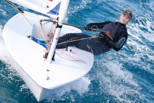 Emma Plasschaert blijft ook in tweede regatta op WK zeilen onder de verwachtingen
