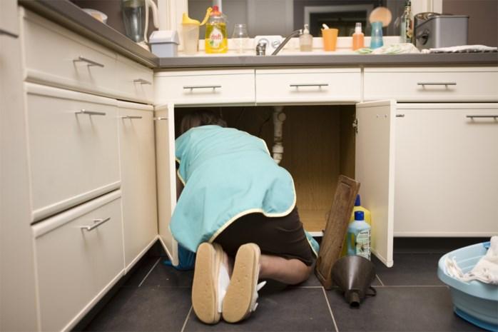 Zeventiger krijgt opschorting voor aanranden poetsvrouw