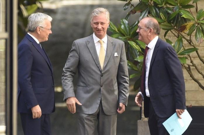 Koning verlengt opdracht van informateurs Vande Lanotte en Reynders