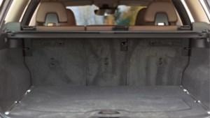 Nederlandse politie bevrijdt 17-jarig meisje uit kofferbak van verdacht voertuig