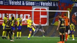 """Kenny Steppe gevloerd door vrije trap: """"Misverstand met De Bruyn"""""""