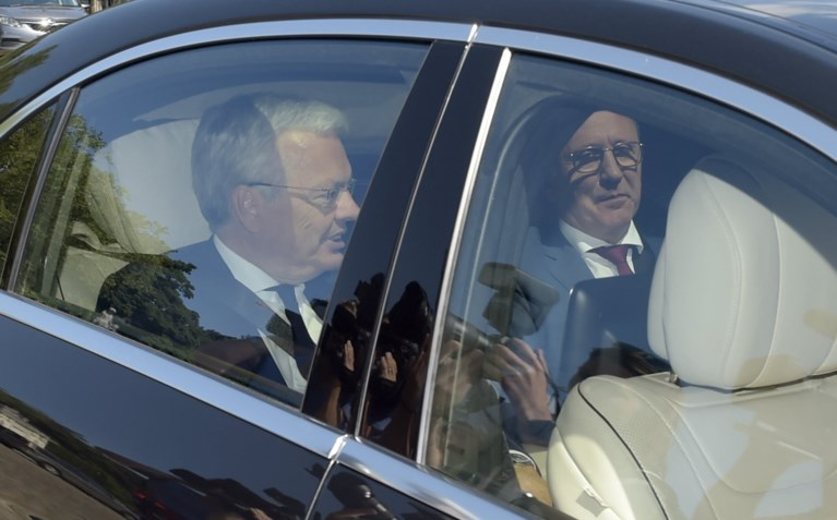 Koning verlengt opdracht van informateurs Didier Reynders en Johan Vande Lanotte