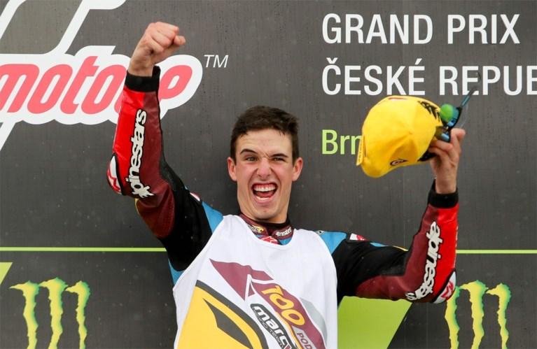 Marc Marquez boekt zesde zege van het seizoen in MotoGP, broer Alex domineert Moto2 in Tsjechië