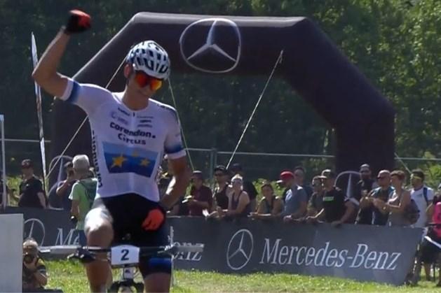 Mathieu van der Poel soleert naar de zege in WB mountainbike in Val di Sole