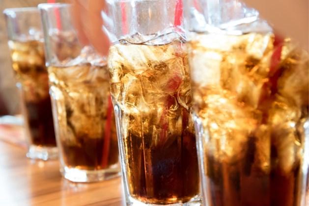 Plaats cola ergens anders op de drankkaart, en je drinkt gezonder