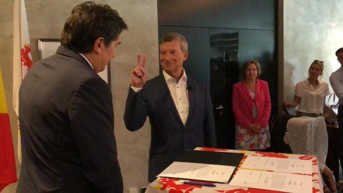 Johan Sauwens legt eed af als burgemeester