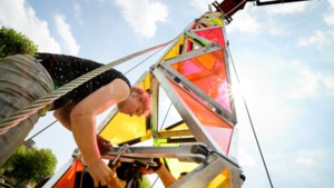 Kleurrijke toren op Pukkelpop moet dieselgeneratoren verbannen van festivals
