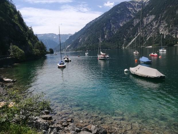 Aan de Achensee in Tirol combineer je bergen & strand moeiteloos in één dag