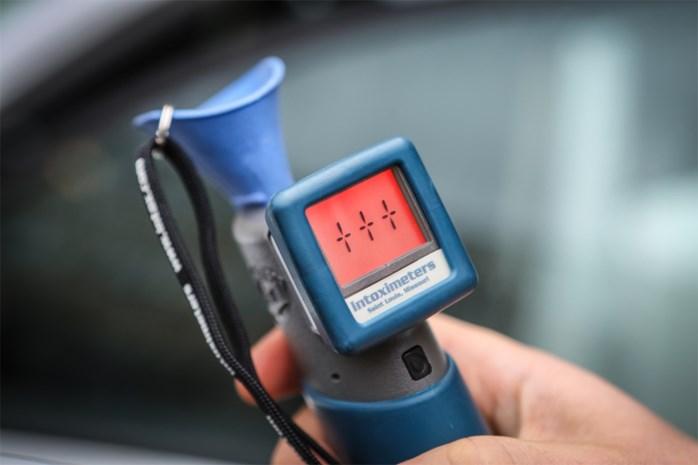 11 bestuurders leggen positieve ademtest af bij controles