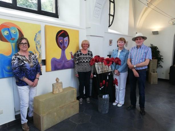 Kunstenaars stellen tentoon in Sint-Ursulakapel