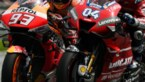 Centimeters van elkaar tegen meer dan 100km/u: titanenduel in MotoGP tart de verbeelding