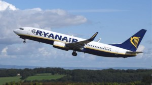 Ryanair blijft volgens vakbonden in Zaventem en Charleroi