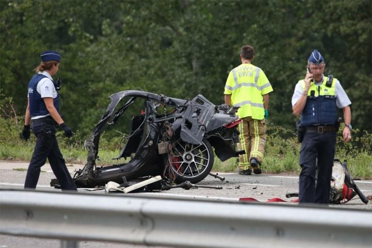 Porsche knalt tegen boom in Wijnegem: dode en zwaargewonde