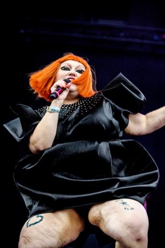 """Beringse Natascha mag mee het podium op met Gossip op Pukkelpop: """"Ongelooflijk, ik sta nog te trillen op mijn benen"""""""