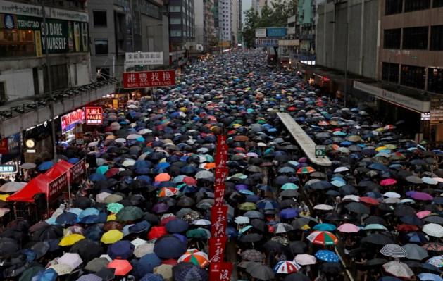 """Regen houdt Hongkongers niet thuis: """"Betogen is het laatste dat we willen doen"""""""
