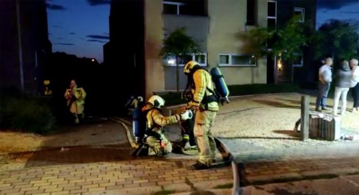 Auto vat vuur in ondergrondse garage in Bree