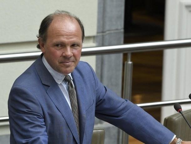 Philippe Muyters (N-VA) kondigt einde van ministerschap aan