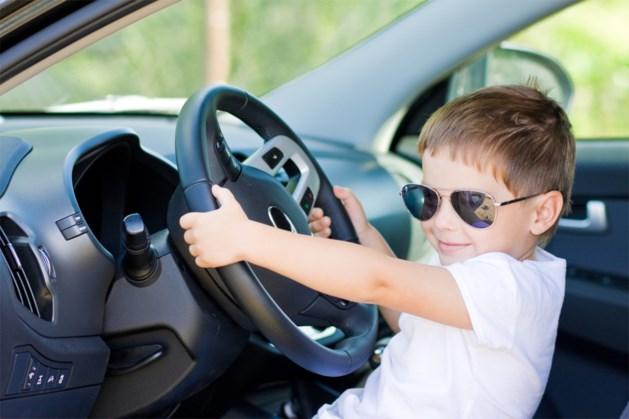 Achtjarige rijdt met auto van moeder met 140 kilometer per uur over snelweg