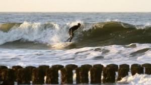 Surfen aan de Zeeuwse kust