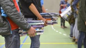 Ouders verplicht voor honderden euro's boeken te kopen terwijl ze niet gebruikt worden