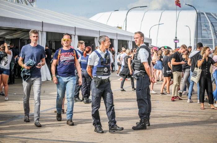 18 medewerkers van Pukkelpop betrapt met drugs: politiehond haalt 160 festivalgangers uit publiek