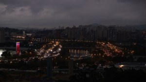 Amazonewoud staat in brand: zo veel rook dat het in São Paulo voortdurend nacht lijkt
