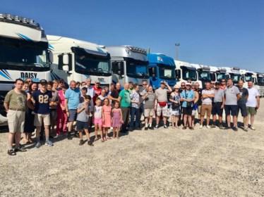 Veertig vrachtwagens bezorgen Tevona-bewoners de rit van hun leven in Riemst
