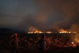 """Indianenchef houdt Bolsonaro verantwoordelijk voor zware bosbranden in Amazone: """"Ramp wat hij met ons doet"""""""