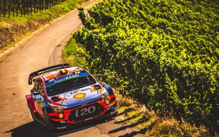 Tänak behoudt leiding, Neuville maakt klein foutje maar blijft tweede in Rally van Duitsland