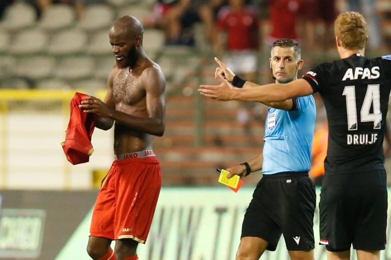 Episch duel, maar geen poules voor Antwerp: met negen man ten onder na dom rood Lamkel Zé
