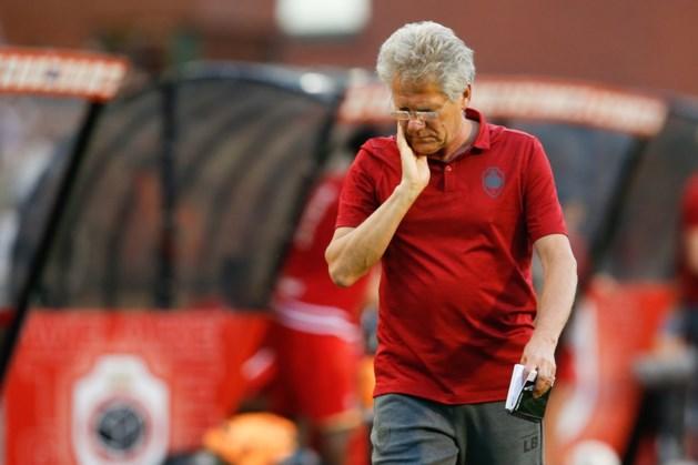 """Bölöni lijkt Lamkel Zé (uit noodzaak) niet te straffen voor rode kaart: """"We hebben amper aanvallers"""""""