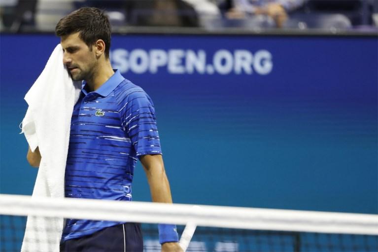 """Titelverdediger Novak Djokovic geeft op in achtste finale US Open tegen 'giant killer' Stan Wawrinka: """"Al weken pijn"""""""