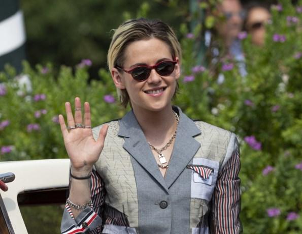 """Kristen Stewart over hoge Hollywood-eisen: """"Ik mocht niet hand in hand lopen met mijn lief"""""""