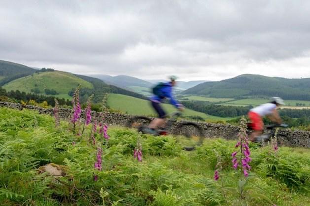 Nieuwe fietsroute van bijna 1.300 kilometer lang tussen Engeland en Schotland geopend
