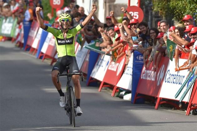 Iturria legt medevluchters in de luren en wint overgangsrit in de Vuelta na knappe solo