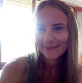 Meisje dat 20 jaar geleden op trein verdween, is eindelijk herenigd met ouders
