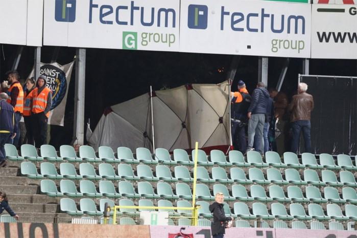 Supporter Union zakt in elkaar op tribunes Lommel SK
