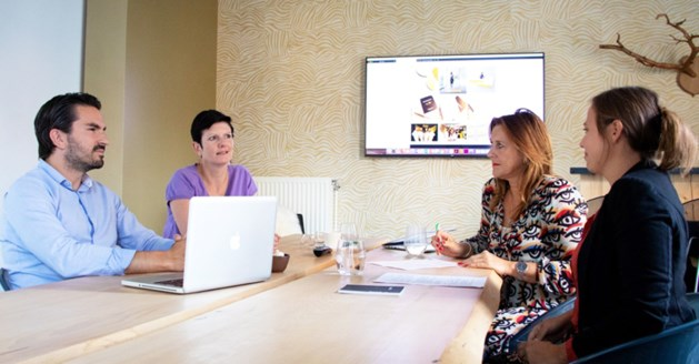 Werkgever nodigt klant uit om sollicitanten te beoordelen
