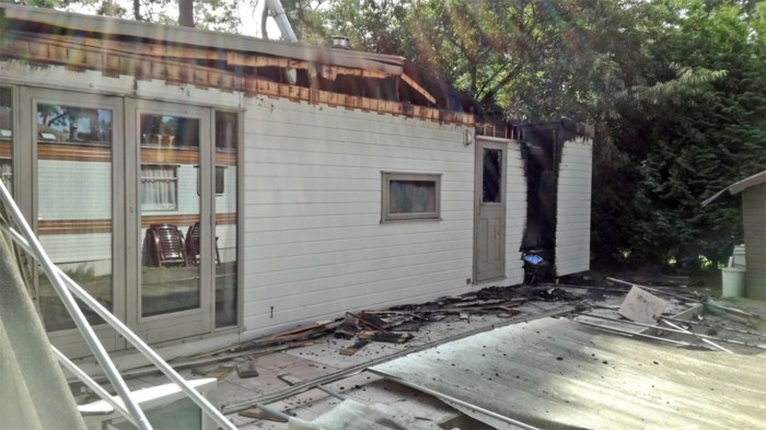 Brand vernielt chalet op camping in Lommel