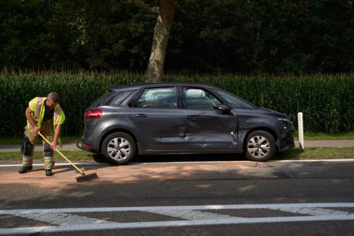Passagier gewond bij ongeval ter hoogte van autoshop