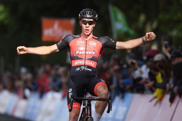 Laurens Sweeck troeft ploegmaat Eli Iserbyt af en is de sterkste in eerste cross in Eeklo