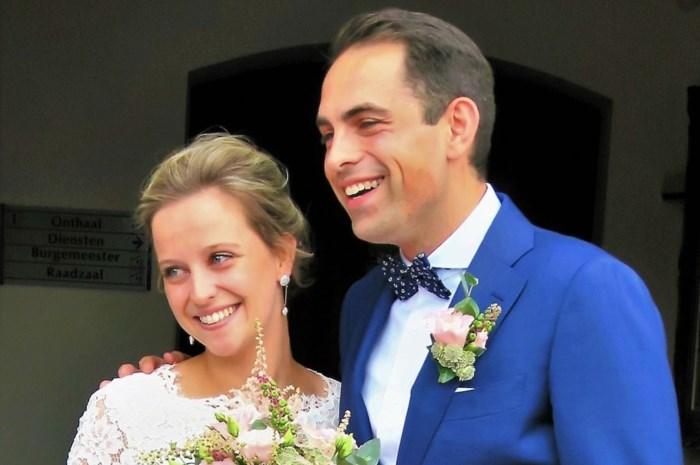 Huwelijk in intieme kring: Tom Van Grieken gaat levenslange coalitie aan met Félice