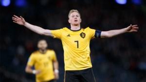 Weergaloze De Bruyne leidt Rode Duivels met drie assists en een goal naar overtuigende zege in Schotland