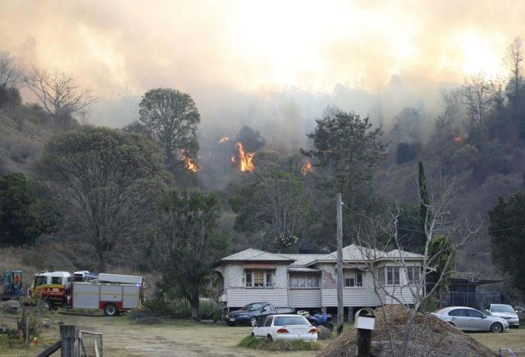 Honderden mensen vluchten voor bosbranden in Australië